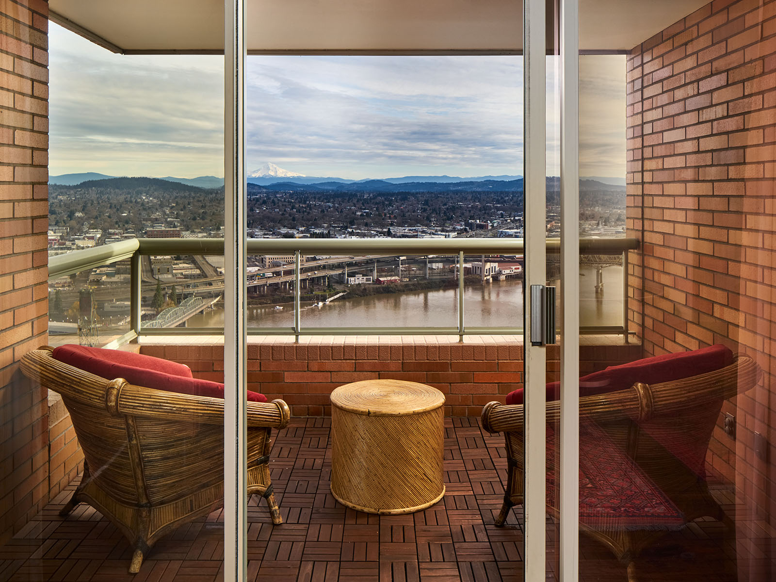 Balcony, views of Willamette river and Mount Hood